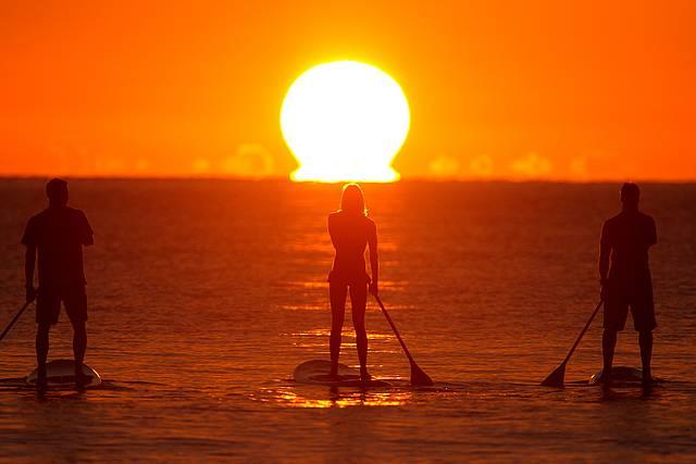 Top imagens de SUP e Pôr do Sol juntos