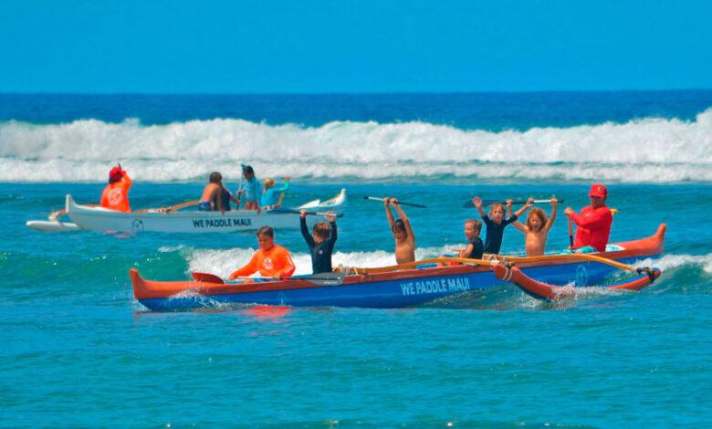 Outrigger Canoe na Paddles